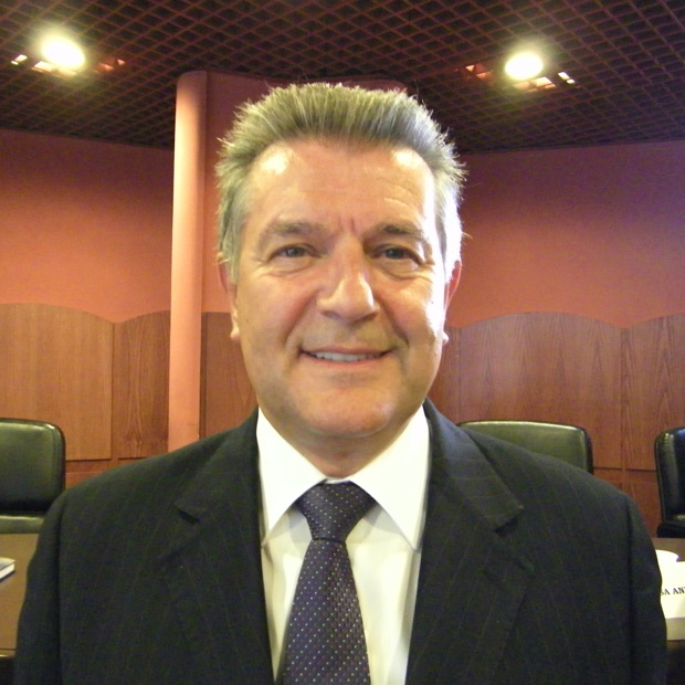 http://www.valsassinanews.com/image/original/amanti.jpg