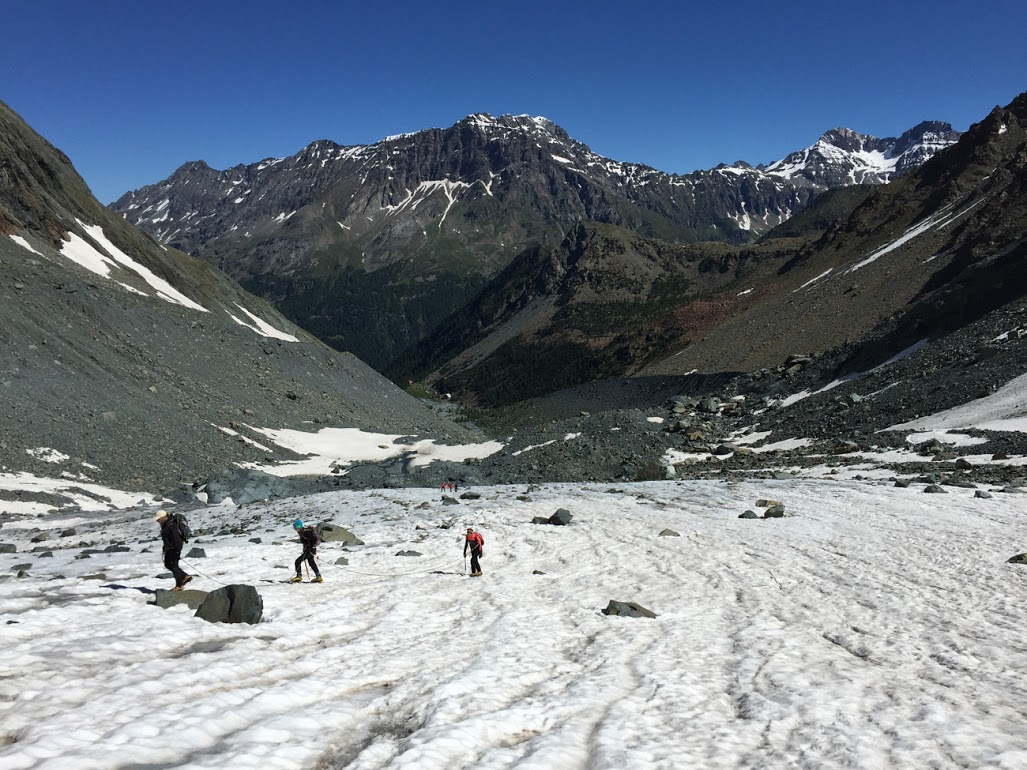 Cordate sul ghiacciaio del Ventina (foto Ufficio stampa Guide Alpine Lombardia)5