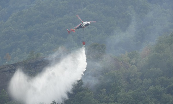 incendio elicottero vigili del fuoco 2