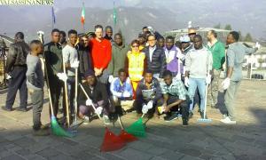 migranti artigianelli pulizia strade 5