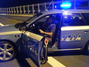 polizia stradale controlli notte