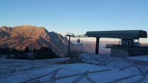funivia-cabinovia-piani-di-bobbio-arrivo-poca-neve
