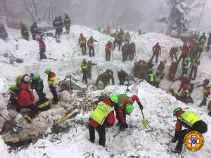 cnsas soccorso alpino centro italia neve (4)