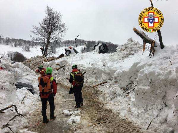 cnsas soccorso alpino centro italia neve (9)