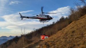 incendio-esino-elicottero-forestale