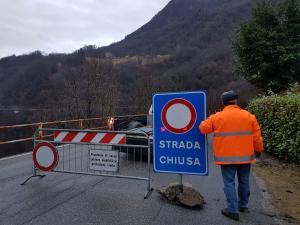 FRANA STRADA CHIUSA CARTELLO BELLANO TACENO1