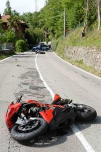 moto due incidente lierna