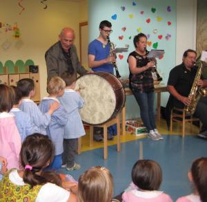 laboratorio musicale con banda all'asilo di barzio