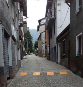 DOSSO CASARGO Via Italia 38 vertical