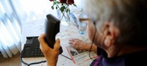 anziana-al-telefono truffe
