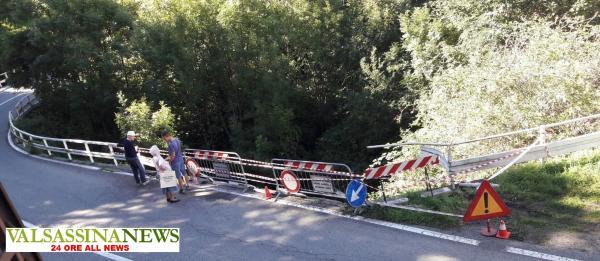 AUTO VOLATA NELLA SCARPATA MARGNO guard rail sfondato LARGE