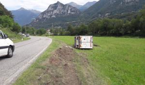 camion bilico ribaltato pasturo (4)