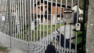 cancello sparatoria barzio