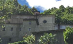Chiesa della Beata vergine della Visitazione - Portone Bellano (2)