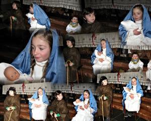 Bacio Gesù Bambino e Re Magi con Befana a Margno (7)