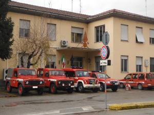 vigili-fuoco-caserma-mezzi