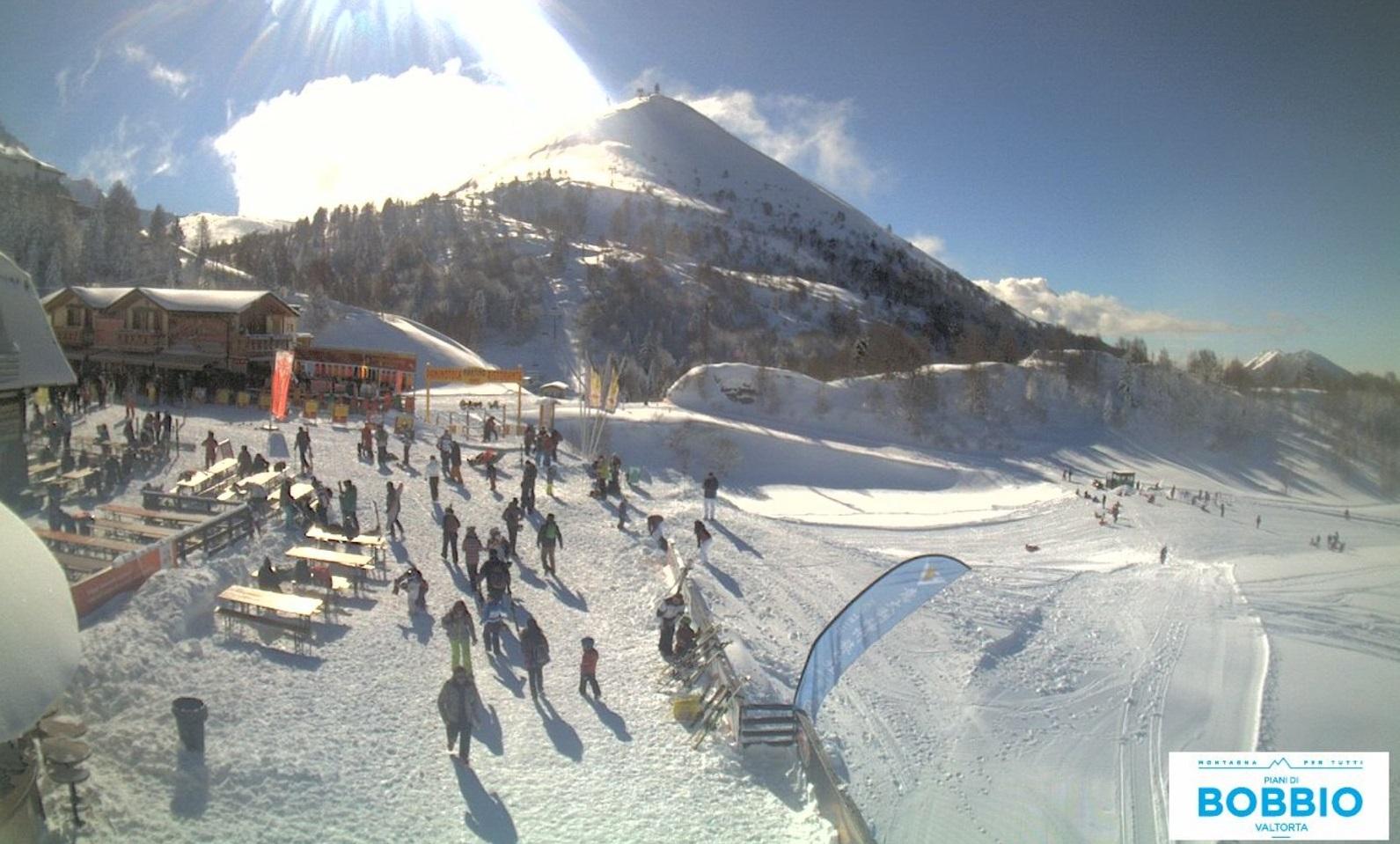 Ultimo giorno con gli sci a bobbio festa ovunque ma for Piani di casa da sci
