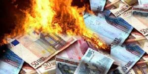 euro-soldi-denaro-bruciati 2