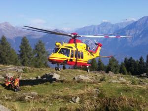 soccorso-alpino-elicottero-piantedo-1