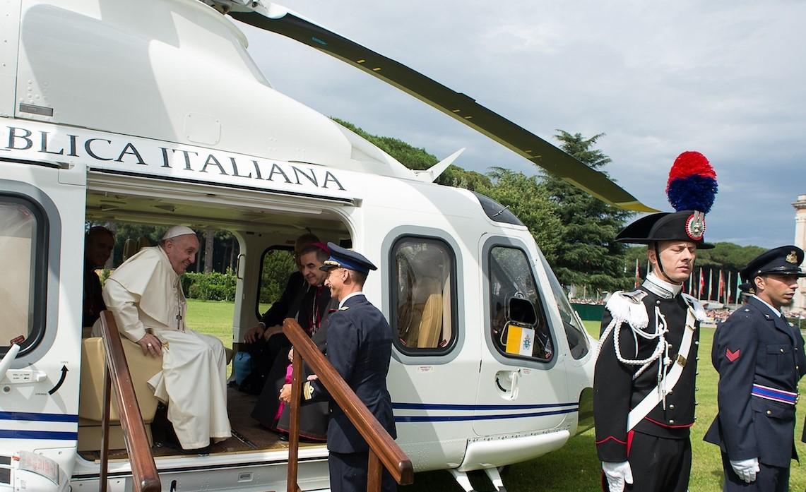 Elicottero Milano : Il papa a marzo a milano. e se prendesse un elicottero direzione