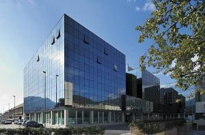 tribunale-lecco-esterno-vetri
