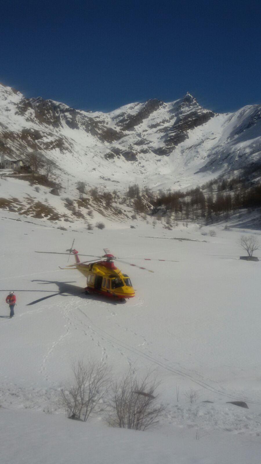 Elicottero Elisoccorso : Elicottero elisoccorso neve biandino