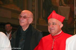 Il cardinale Dionigi Tettamanzi con don Alfredo Comi a Barzio nel 2009