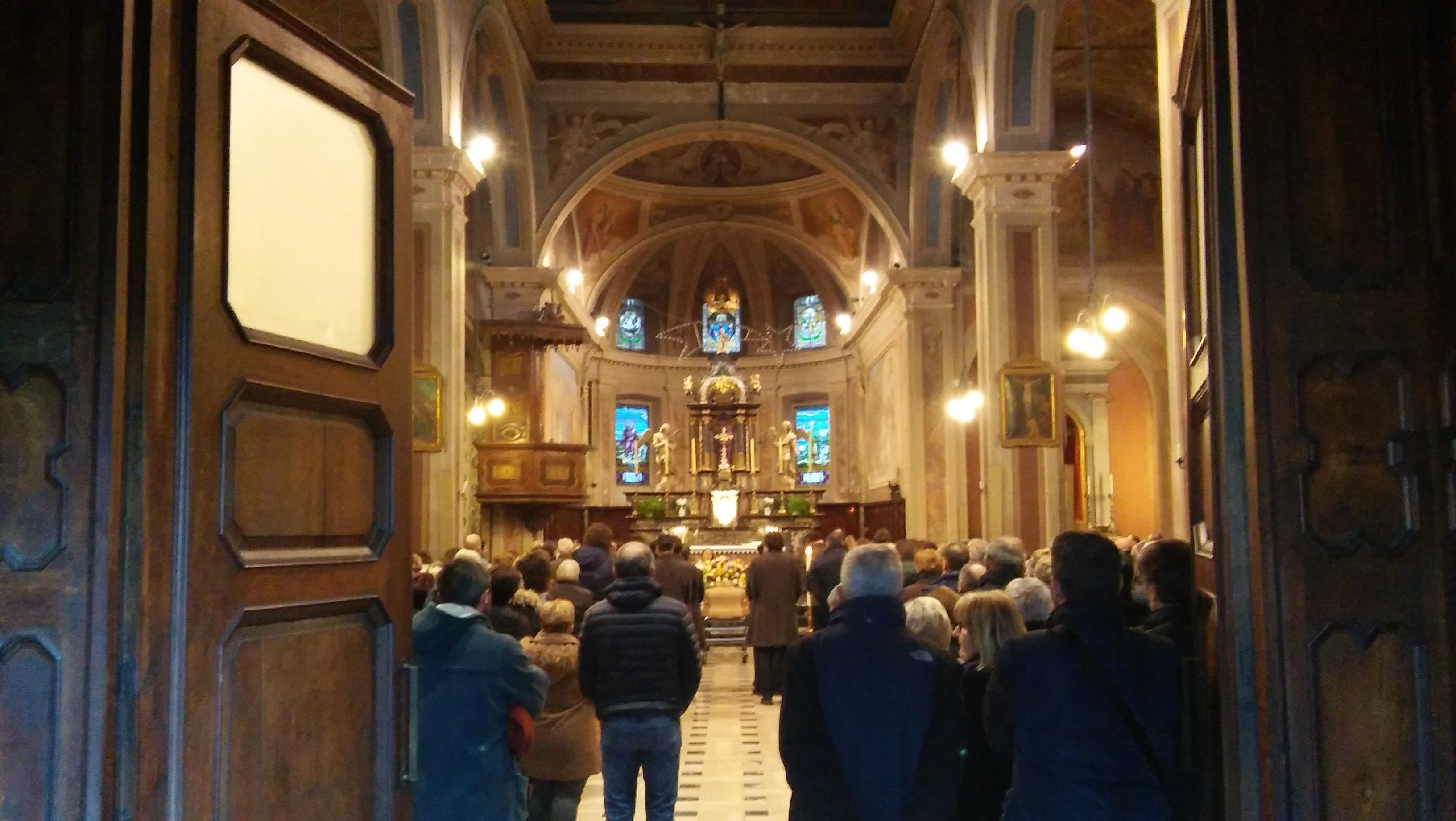 http://www.valsassinanews.com/wp-content/uploads/2017/12/Funerale-Sergio-Selva-4.jpg