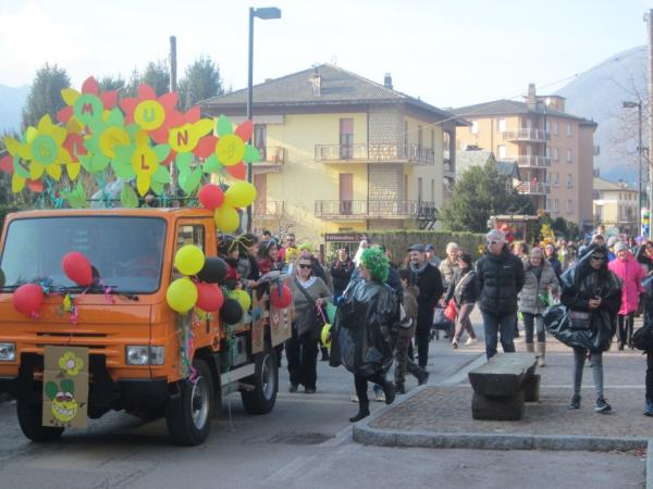 Sfilata Carnevale 2018 INtrobio Primaluna (12) (Medium)