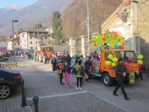 Sfilata Carnevale 2018 INtrobio Primaluna (17) (Medium)