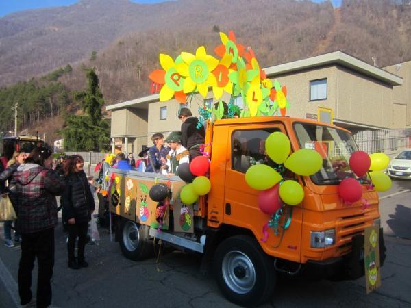 Sfilata Carnevale 2018 INtrobio Primaluna (39) (Medium)