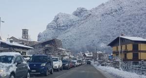lecco-ballabio coda colonna traffico neve (1)