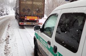 camion tir balisio polizia provinciale 1