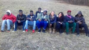 passeggiata centro migranti cremeno maggio cara artigianelli