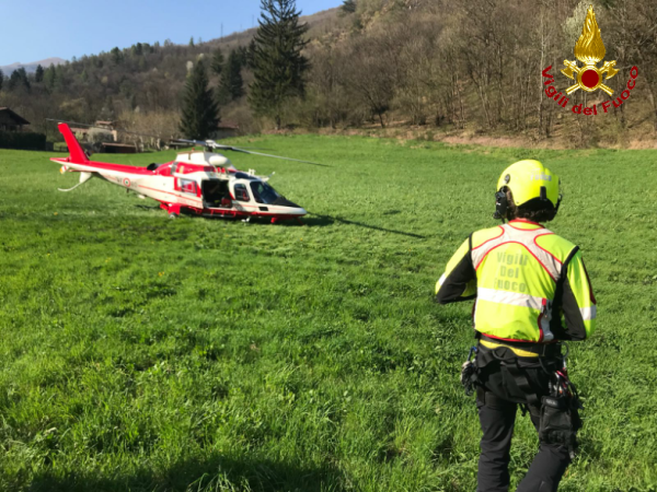 vigili del fuoco pompieri elicottero