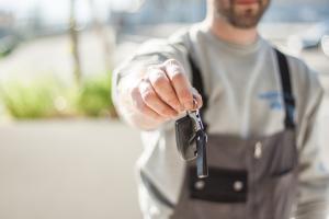 meccanico chiavi auto motori revisione