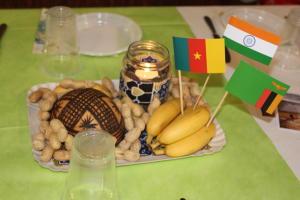 Cena etnica pro missioni giovani Premana (2)