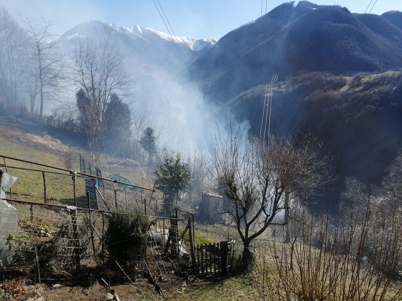 https://www.valsassinanews.com/wp-content/uploads/2020/02/incendio-pagnona-feb20-1.jpeg